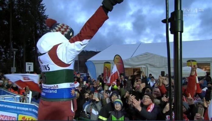 Kamil Stoch prowadzi doping